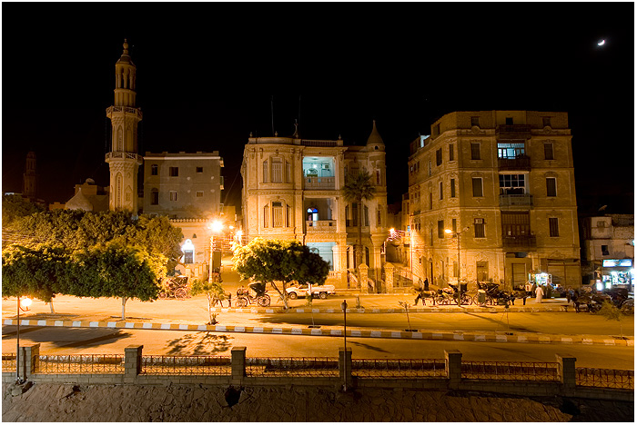 Egypt - Esana - Mosque in the night